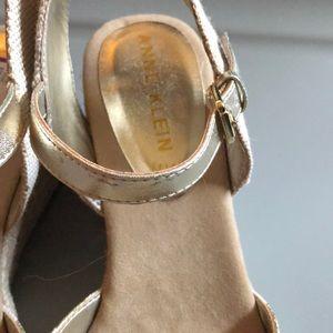 Anne Klein Shoes - ⭐️HOST PICK⭐️ NEW Anne Klein 8.5 shoes wedges gold